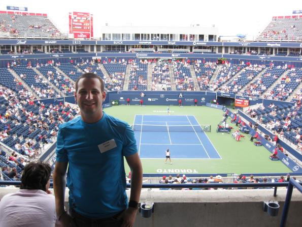 #RogersCup 2011 Dan with his back to the court during Radwanska Petkovic