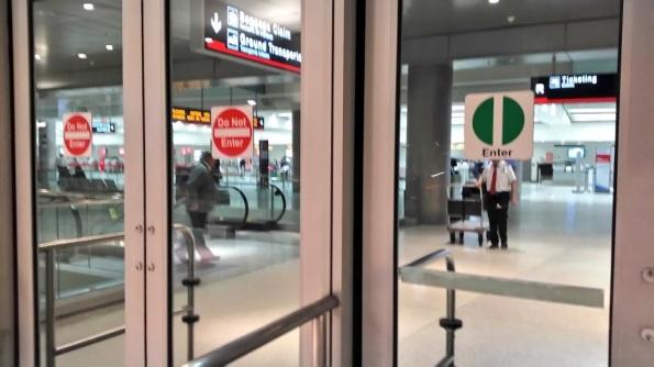 Enter Sign - Miami Airport IMG_fmistn - 2016.02.17